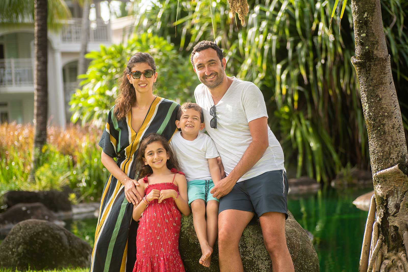 Family-Posing-in-Mauritius-for-Photo-Session